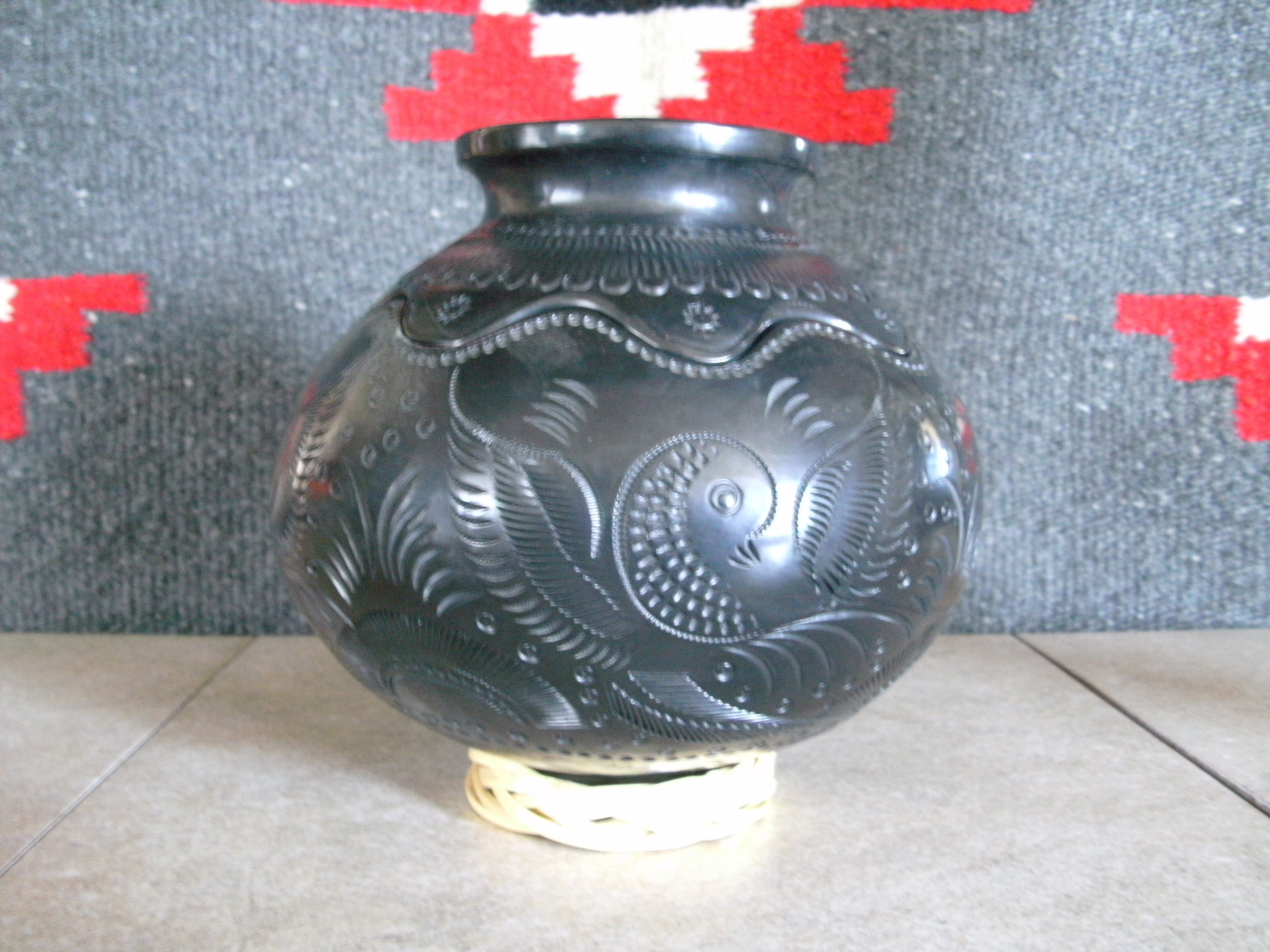 Mata Ortiz pottery black Oaxacan Etched Pot